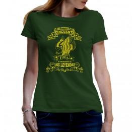 camiseta verde de mujer a los 50